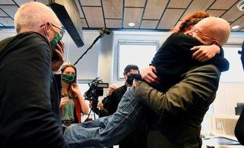 Activistas medioambientales reaccionaron con alegría tras conocer el veredicto