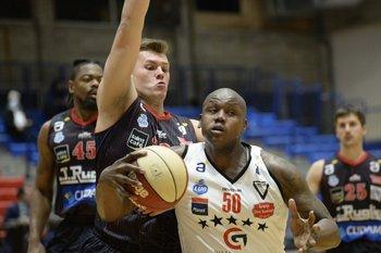 Zygimantas Riauka y Paul Harrison, 9 contra 14 puntos