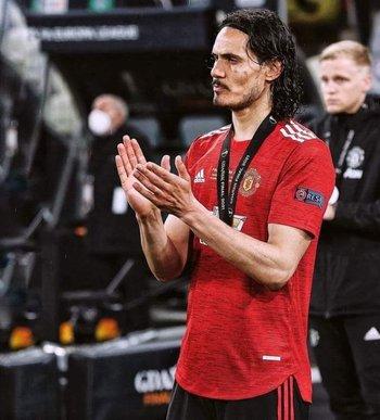 El aplauso de Cavani a los campeones