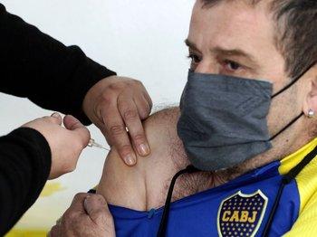 Argentina había aplicado un total de 12,8 millones de dosis de vacunas contra el covid-19 hasta este martes