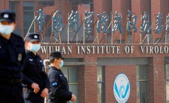 China rechaza cualquier vínculo entre la pandemia y el Instituto de Virología de Wuhan.
