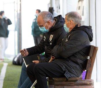 El gerente deportivo Belza y el entrenador Tabárez