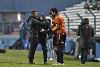 Sebastián Cessio le da indicaciones a Abreu