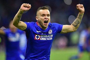 Jonathan Rodríguez se metió en la historia de Cruz Azul