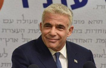 Yair Lapid, líder de la oposición a Netanyahu y expresentador de televisión, logró desbloquear dos años sin gobierno en Israel