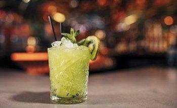 Los bares son sinónimos de alcohol, aunque algunos están cambiando esa tendencia.