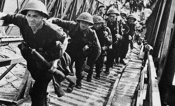 Ninguno de los generales alemanes se atrevió a ordenar el envío de tropas de refuerzo sin permiso de Hitler, que dormía cuando empezó el ataque