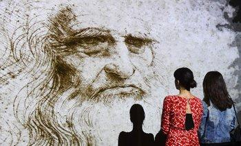 """Holograma """"Studio di uomo barbuto"""" (estudio del hombre barbudo), en una muestra en Milán referida a Leonardo da Vinci"""