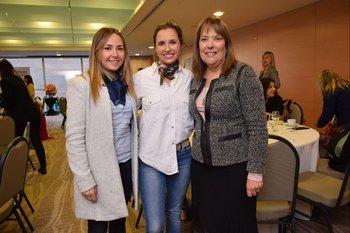 Andrea Martínez, Viviana Méndez y Gabriela Vega