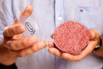 Mosa Meat fue la primera en presentar una hamburguesa de carne basada en células en 2013