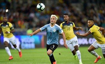 Nicolás Lodeiro, abrió el camino al triunfo y marcó el gol 400 de Uruguay en la Copa