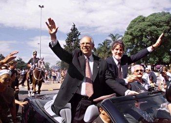 Jorge Batlle y Luis Hierro, rivales en las internas de abril de 1999, asumen el gobierno el 1º de marzo de 2000