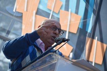 Abdala señaló que propondrá un ámbito tripartito con el gobierno para tratar el TLC
