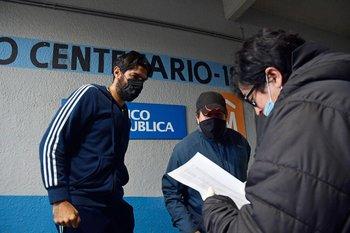 En junio de 2020 la AUF realizó en el Estadio Centenario todos los hisopados para garantizar la vuelta segura a la actividad; en el mismo lugar vacunarán a todos los planteles