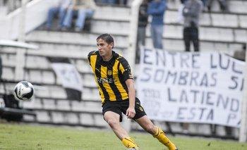 Gastón Ramírez en la temporada 2009-2010, figura  campeón con Peñarol