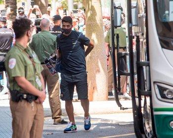 Suárez llegando al hotel en Palma