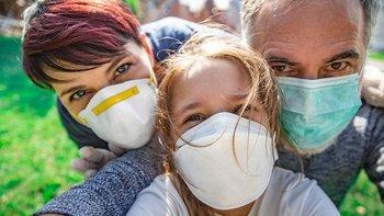 Ante la ausencia de una vacuna, las mascarillas son una estrategia efectiva para protegerse del covid-19