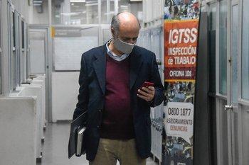 """El ministro de Trabajo, Pablo Mieres, dijo que le """"llama la atención"""" la propuesta del director de los trabajadores del BPS"""