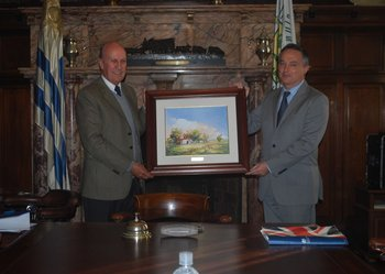 Gabriel Capurro, presidente de ARU; y Ian Duddy, embajador de Gran Bretaña.