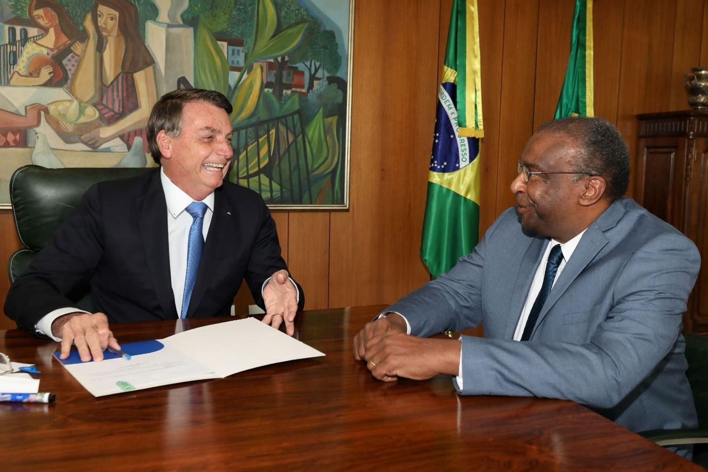Universidades negaron haber otorgado a ministro de Educación de Brasil supuestos títulos