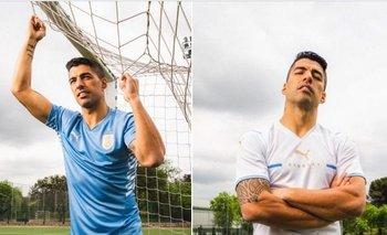 Suárez presentó las nuevas camisetas de la selección uruguaya
