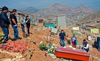 Durante la pandemia, Perú ha registrado alrededor de un 150% más de muertes de lo esperado
