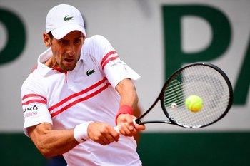 Djokovic le devuelve a Cuevas