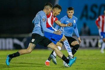 Giménez y Giovanni González marcan a Romero
