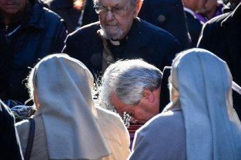 Entierro de María Auxiliadora Delgado: Tabaré Vázquez despide a su esposa en el cementerio de La Teja, el 1 de agosto de 2019.