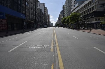 Las calles de Montevideo quedaron vacías en marzo de 2020, debido a la emergencia sanitaria por covid-19