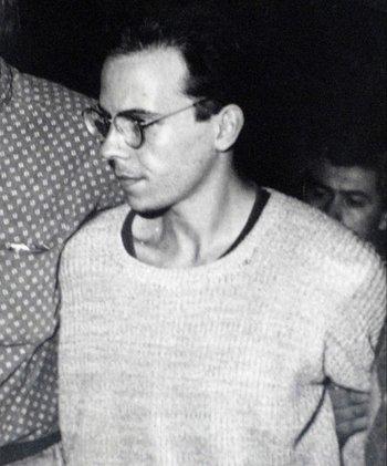 Pablo Goncálvez, primer asesino serial de Uruguay, el día que va preso en 1993.