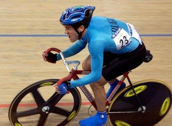 MIlton Wynants en la pista de Sídney va en busca de su medalla olímpica