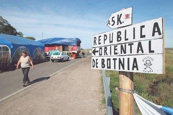 Piqueteros de Gualeguaychú protestan por la instalación de Botnia. 2006