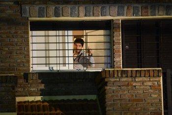 Suárez en su casa de Ciudad de la Costa luego de volver de Brasil, donde fue expulsado del Mundial por la FIFA, en 2014.