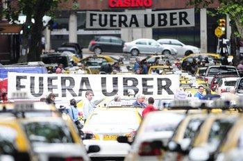 La llegada de Uber generó protestas de los taxistas, en 2015.