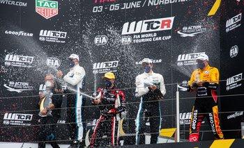 Santiago Urrutia comenzó el año con un podio en el Mundial de Turismos