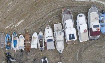 """Pequeños barcos de pesca no pueden navegar debido al """"moco de mar"""""""