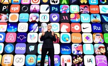 Tim Cook durante la presentación de iOS 15.