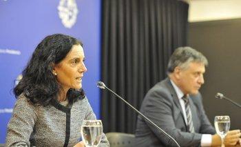 La ministra de Economía y Finanzas Azucena Arbeleche, y el ministro de Industria y Energía, Omar Paganini.