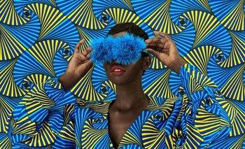 Inspirada por las imágenes que vio en la colección de revistas Vogue de su hermana, Muriu se dedicó a la fotografía comercial, que en Kenia está dominada por hombres