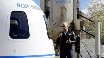 Jeff Bezos y su hermano Mark irán a bordo del New Shepard en el primer vuelo tripulado este 20 de julio