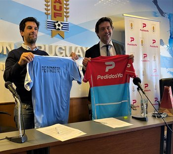 Felipe Álvarez, Managing Director de PedidosYa Uruguay e Ignacio Alonso, presidente de la AUF