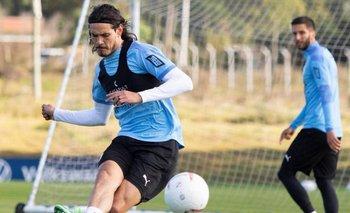 Edinson Cavani y Rodrigo Bentancur, suspendidos, se quedaron en el Complejo Celeste mientras la selección jugaba en Venezuela