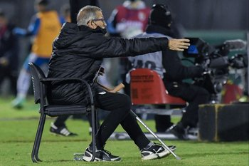 Óscar Tabárez le apunta a la Copa América