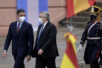 El presidente español, Pedro Sánchez, visitó a su par argentino en Buenos Aires