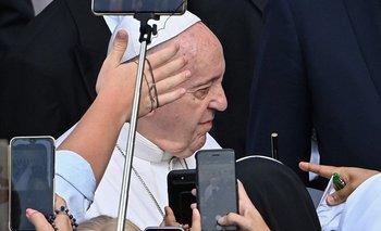 """El papa Francisco había recibido la renuncia para """"compartir la responsabilidad de la catástrofe de los abusos sexuales perpetrados por responsables de la iglesia en las últimas décadas"""""""