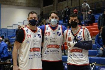 Jonathan Sacco, cambiado por Batista, con los lesionados Souberbielle y Moglia