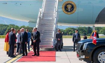 La llegada de Biden al aeropuerto de Cointrin en Ginebra el 15 de junio de 2021, en vísperas de una reunión entre EEUU y Rusia