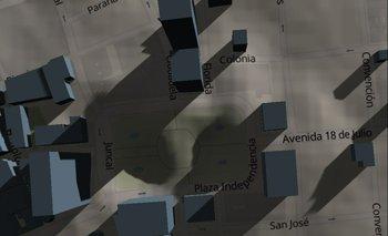 Una vista de hacia dónde da el Sol a las 9.23 de la mañana del 17 de junio en la Plaza Independencia.