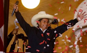 El izquierdista Pedro Castillo superó a su rival por 44 mil votos